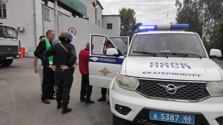 «Все нетрезвые». В Верх-Исетском районе подрались люди в шарфах «Уралкабеля»