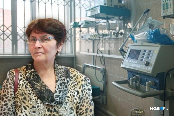 У женщины поднялась температура после контакта с другой пациенткой с ковидом, но врачи ждали положительного теста ПЦР