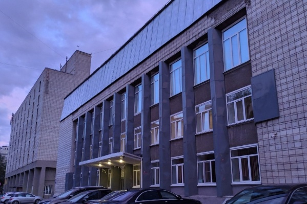 """Службе 112 сообщили о минировании их же здания на <nobr class=""""_"""">Свердлова, 14</nobr>"""