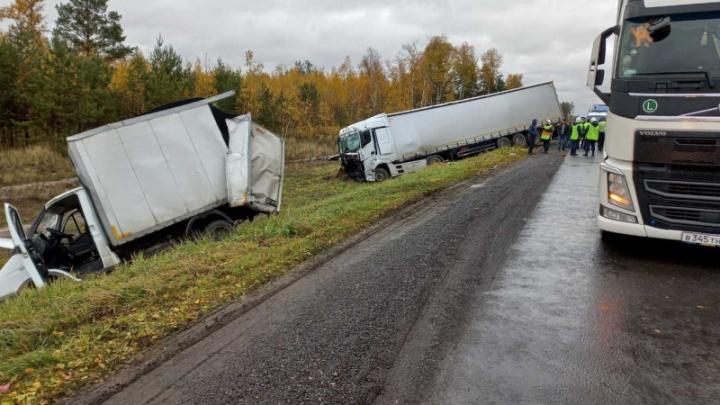 Пробка в восемь километров образовалась из-за столкновения пяти машин на трассе под Дзержинском