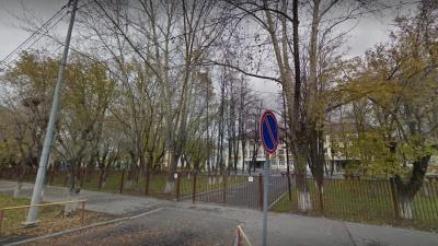 В Тюмени задержали мужчину, пытавшегося увести из гимназии двух девочек