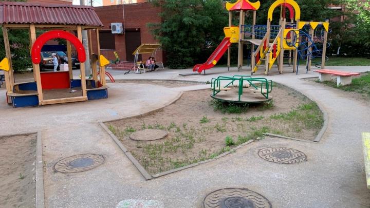 В Самаре несколько десятков детских площадок могут пустить под снос