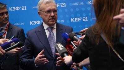 «Не надейтесь, я не уеду»: губернатор Александр Усс прокомментировал свой визит в Москву