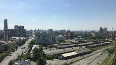 Гигантский заброшенный участок рядом с вокзалом в Екатеринбурге решили отдать под реновацию