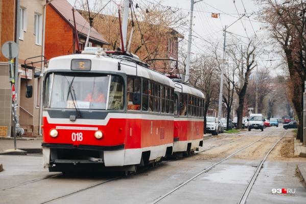 Повышение платы за проезд в Краснодаре должно увеличить доходы кондукторов и водителей общественного транспорта