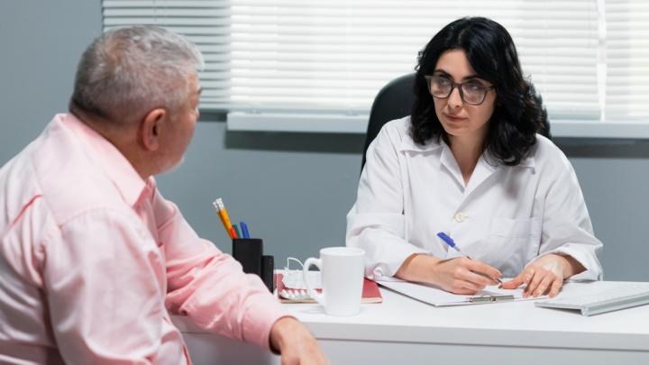 У одних гормоны скачут, у других голова раскалывается: с какими ещё проблемами уральцы бегут к врачу