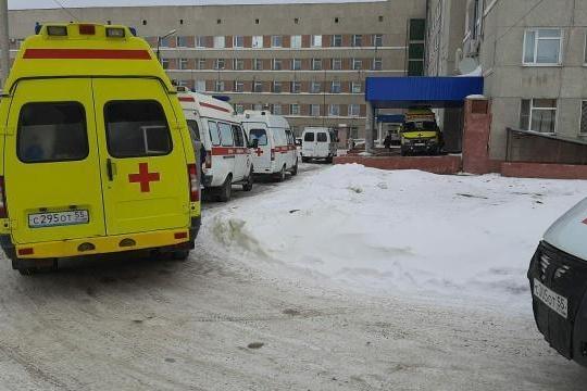 Часть пациентов госпитализировали тут же, без томографии, а часть повезли в другие больницы