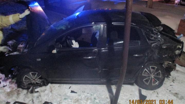 Пострадал человек: в Ярославской области на трассе столкнулись две легковушки
