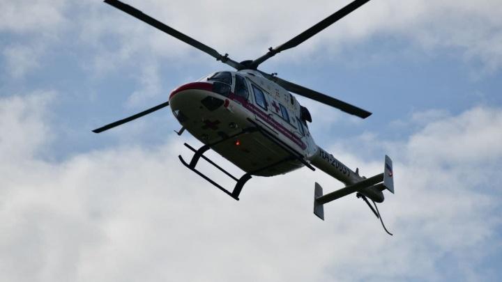 В ночном клубе Асбеста зверски избили 19-летнего парня. Его пришлось доставлять вертолетом в Екатеринбург