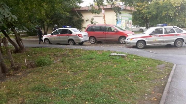 В детском саду Ленинского района обнаружили подозрительный предмет — на место выехала полиция