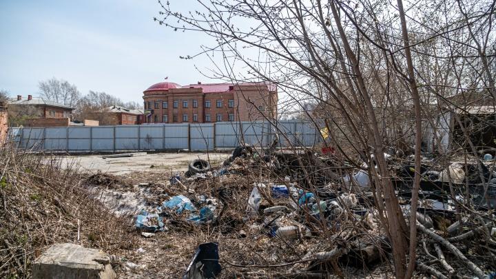 Россия на свалке. В центре Новосибирска терпит бедствие старинный квартал — до разрухи никому нет дела