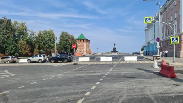 К юбилею города перекрывают дороги: начали с площади Минина и подъездов к ней