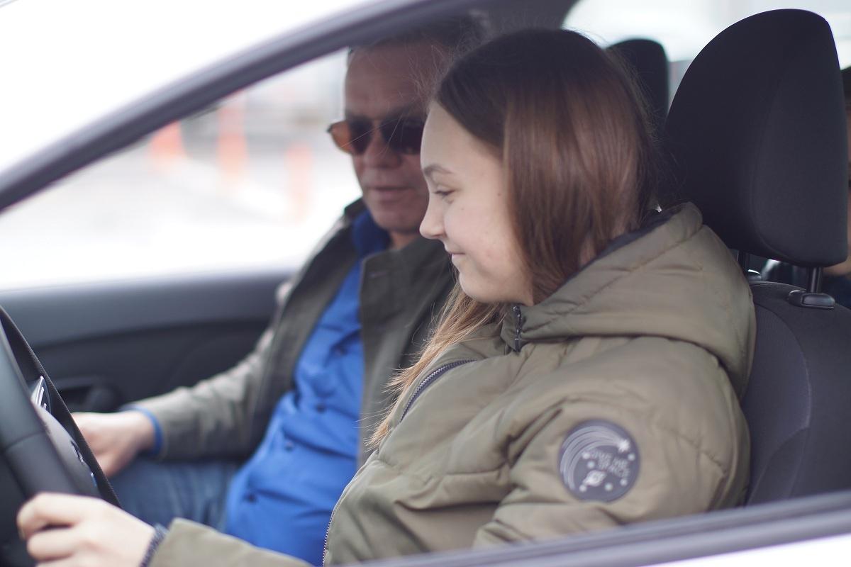 Здесь вы научитесьпрогнозировать свои действия на дороге, чтобы не допускать ДТП
