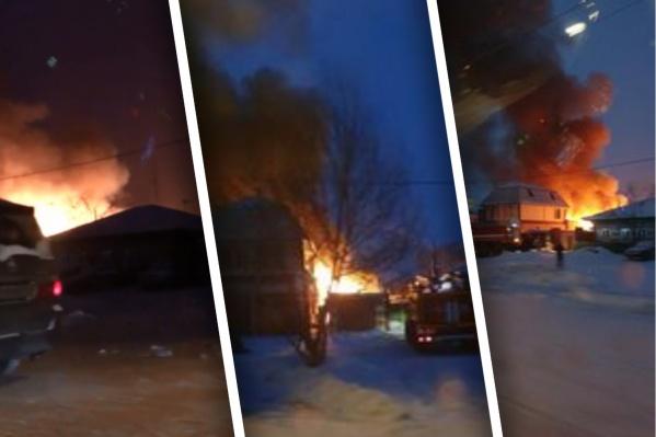 """Очевидцы увидели горящий дом около <nobr class=""""_"""">17 часов</nobr>"""