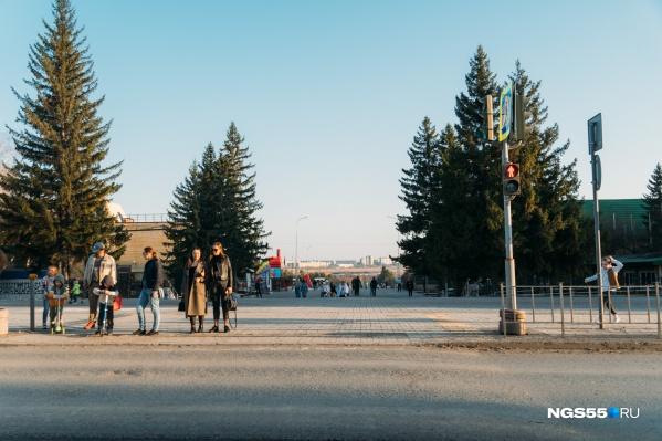 """Без привычной входной группы вход в парк выглядит как-то <nobr class=""""_"""">пусто —</nobr> не сразу понимаешь, куда идешь"""