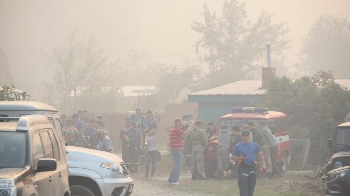 Спасатели объяснили, из-за чего начался пожар у озера Глухого под Екатеринбургом