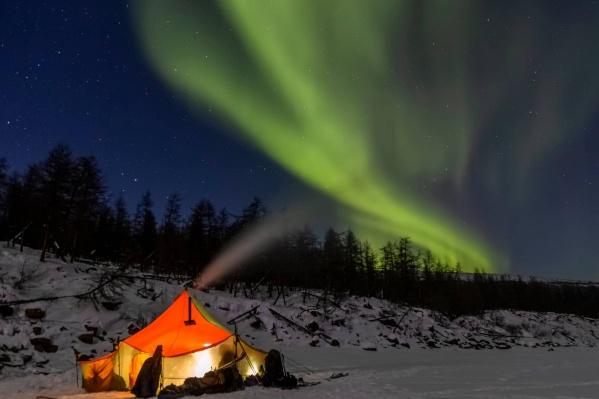 """Туристы ночевали в палатках. Температура редко поднималась выше <nobr class=""""_"""">-30 градусов</nobr>"""