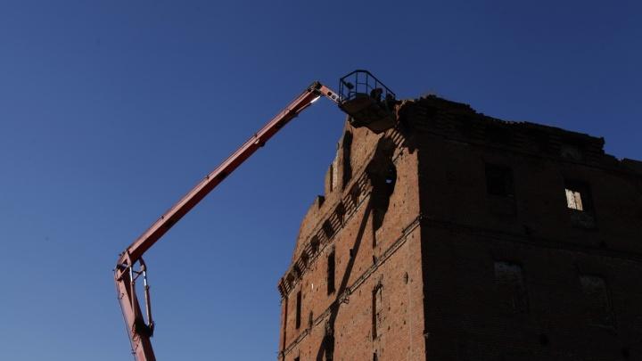 В Волгограде начали ремонт исторических руин мельницы Грудинина