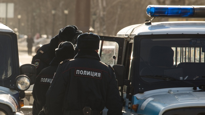 Сам позвонил в полицию: в МВД рассказали подробности убийства 29-летней женщины в Бердске