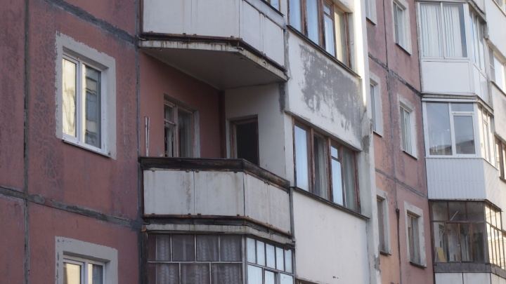 «В окно выглянула — у соседей нету балкона»: северодвинка рассказала про взрыв в жилом доме
