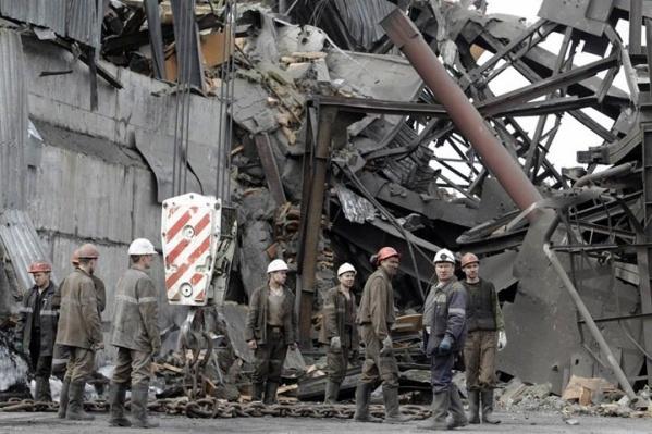 """Два взрыва произошли с разницей в <nobr class=""""_"""">4 часа</nobr>. В результате этого погиб 91 человек"""