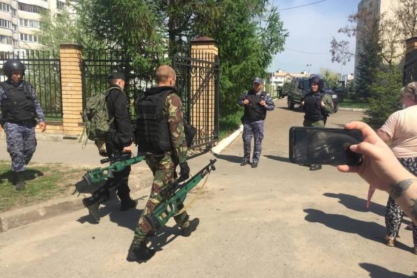 После трагедии в Казани руководители многих регионов отрапортовали об усилении мер безопасности в учебных учреждениях