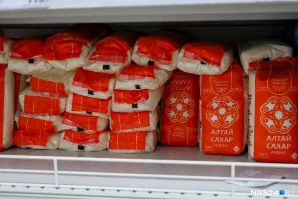 Красноярцы перестали скупать сахар. Ситуация нормализовалась