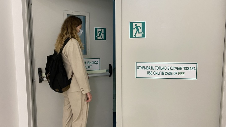 Смогут ли посетители ТРЦ свободно выйти во время пожара? Проинспектировали 5 крупнейших центров