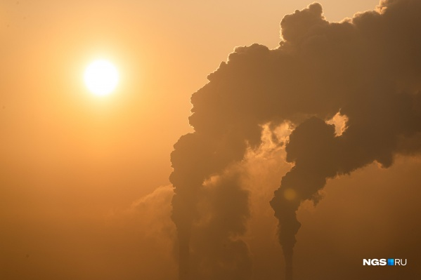 Грязный воздух и вездесущая пыль, на которую привыкли жаловаться жители Новосибирска, — еще не главная проблема. НСО оказалась в лидерах по выбросам опасного канцерогена