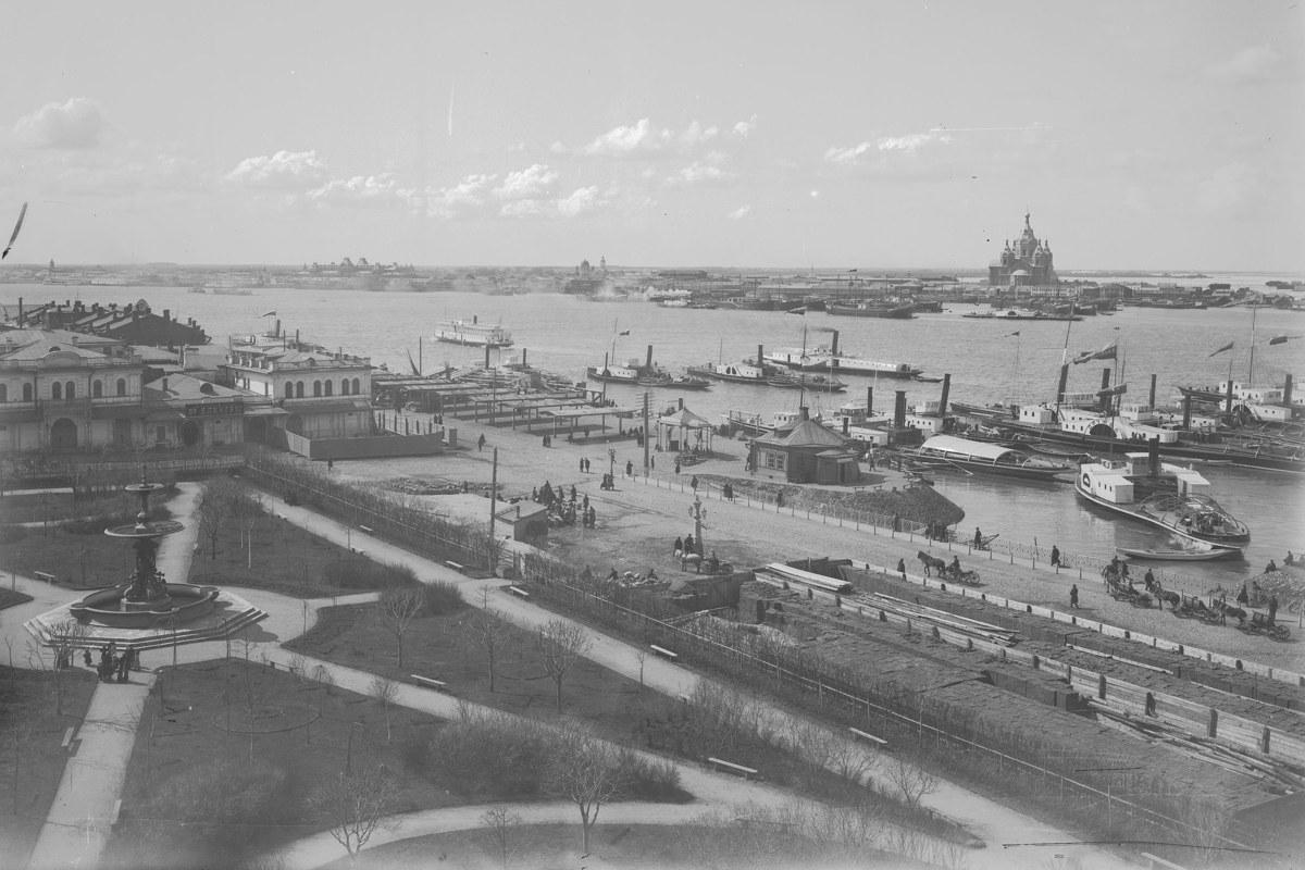 """Нижний Новгород до середины <nobr class=""""_"""">XX века</nobr> выглядел неузнаваемо для современных глаз. Тогда в городе не было ни одного моста, а сам город был более скромен в размерах"""