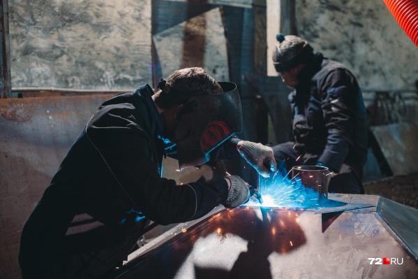 Большую зарплату тюменцам обещают в строительной отрасли. А сколько зарабатываете вы? Напишите в комментариях