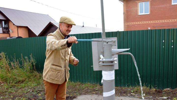 Почти половина города останется без воды: публикуем адреса отключений и список колонок