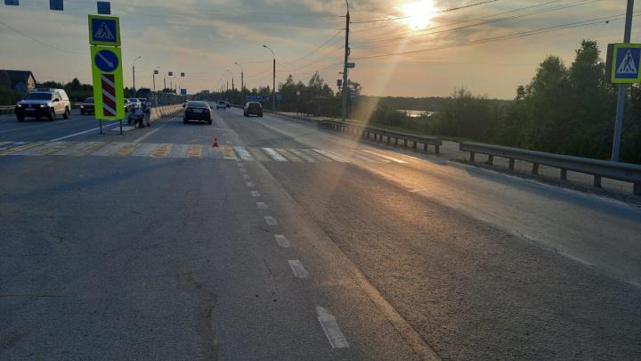 В Ленинском районе водитель «Тойоты» сбил женщину с ребенком