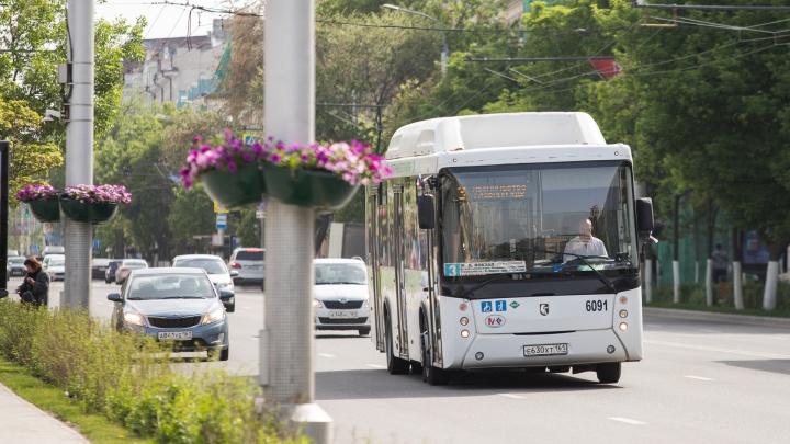Власти проверят ростовские автобусы после того, как в мае сгорели два из них