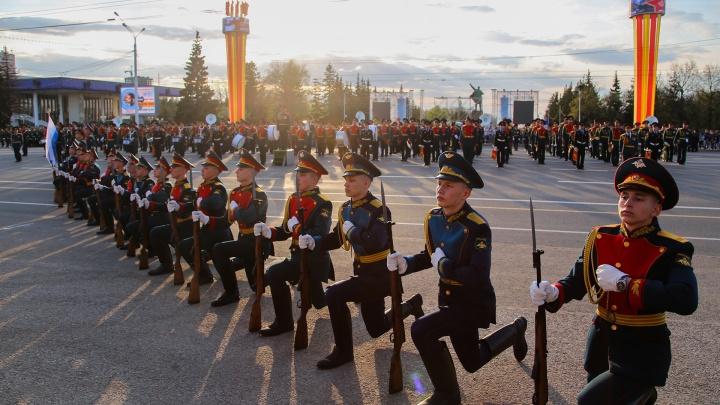 Как в Уфе проходит репетиция военного парада: смотрите видеотрансляцию на UFA1.RU