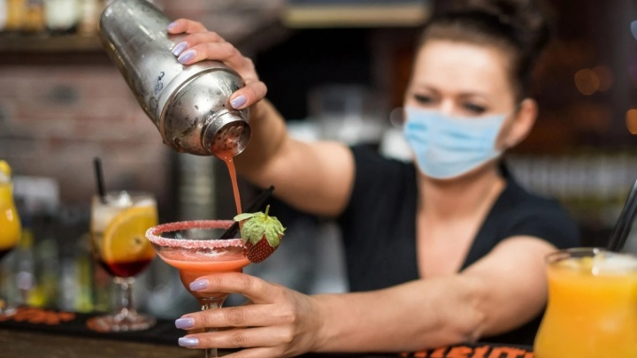 Власти Ростовской области хотят создать «свободные от COVID-19» зоны в ресторанах