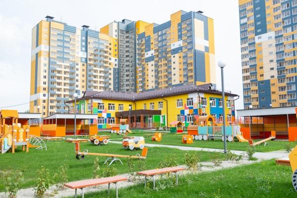 У жителей ЖК «Аквамарин» есть своя набережная и детский сад во дворе дома
