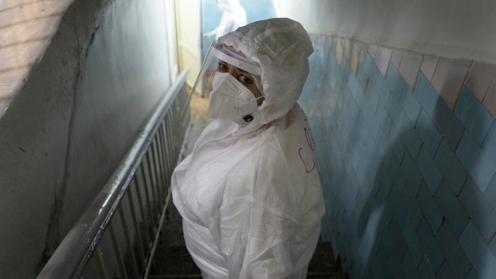 Заболели дома и лечились дома: оперштаб Волгоградской области рассказал о новых смертях от COVID-19