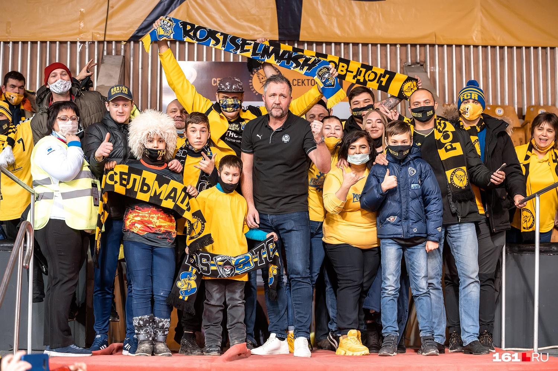 Пер Юханссон после матча поднялся к ростовским фанатам