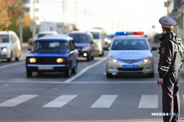 Инспекторов привлекло несоответствие документов на машину и отсутствие их в базе ГИБДД