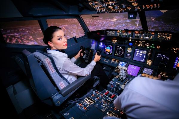 Попробовать себя в роли пилота самолета может любой желающий