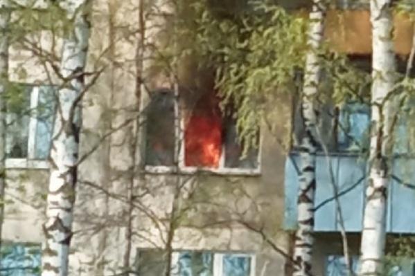 Квартира горела на третьем этаже