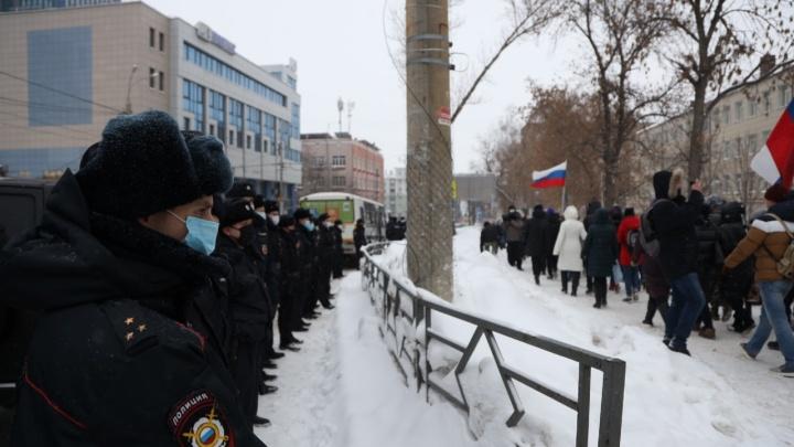 Самарские сторонники Навального двинулись на площадь Славы