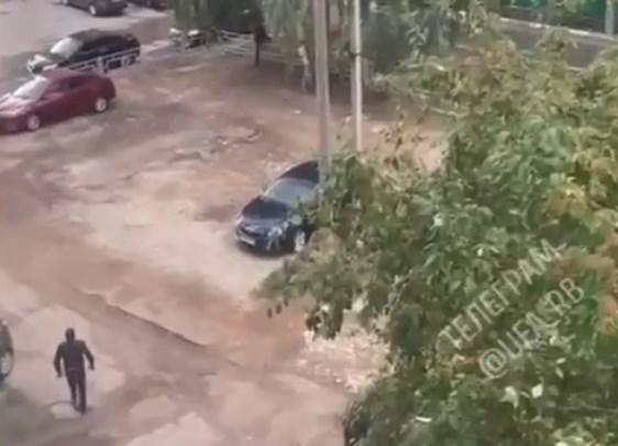 Жители Уфы услышали «стрельбу» возле школы. Местные решили, что группировки делят сферы влияния