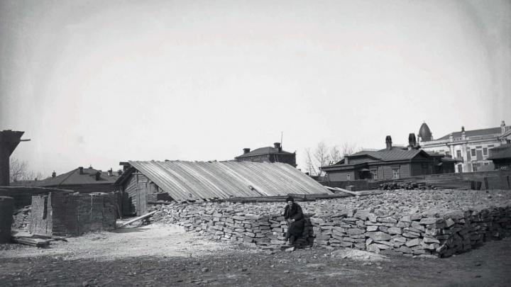 «80 лет были в забвении»: издан альбом с фотографиями Красноярска 1900–1933годов