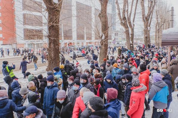 По официальным данным, в несогласованной акции 31 января принимали участие 600 человек