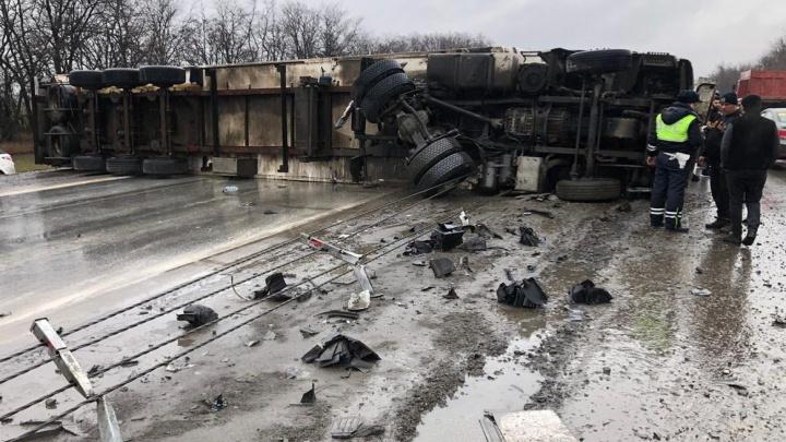 14-километровая пробка возникла на трассе М-4 из-за аварии у аэропорта Платов