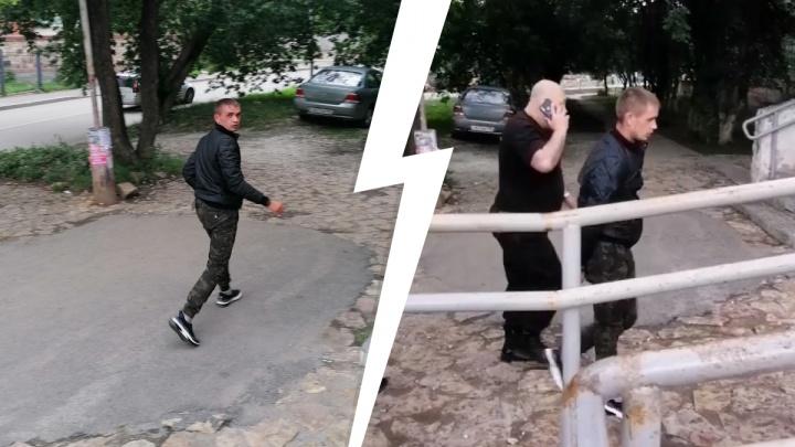 В Березовском дебошир устроил драку в магазине и угрожал продавцу. На место вызвали полицию