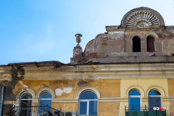 Один из домов — на Победы, 107 — пока находится не в лучшем состоянии