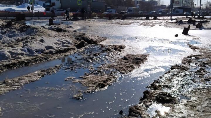 Минтранс НСО прокомментировал грязь на тротуарах Станционной (четвертый мост ни при чём)